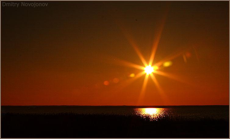 Закат над озером : Краски, которые нам дарит природа, прекрасны (Фотограф Дмитрий Новоженов)